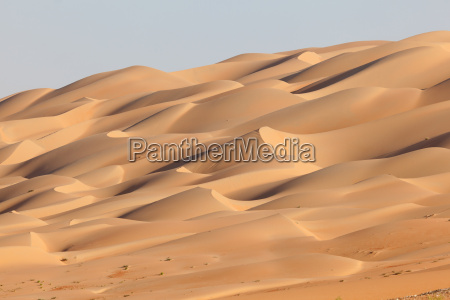 sand dunes at the empty quarter