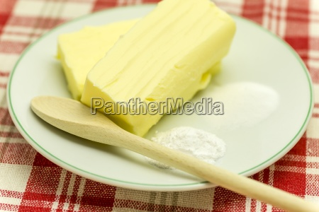 ingredients cake 2