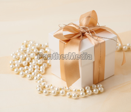 gift box and pearl necklace