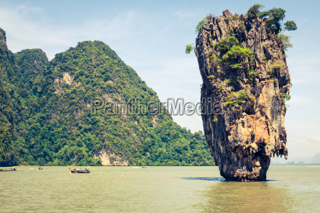 ko tapu rock on bond island