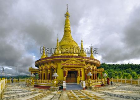 hindu, temple, in, bangladesh - 13684618