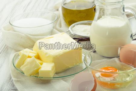 baking, ingredients, eggs, flour, sugar, butter, vanilla, cream - 13772355