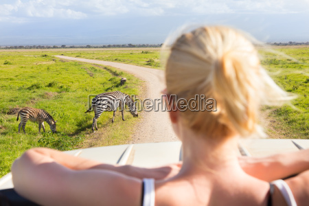 woman, on, african, wildlife, safari. - 13782481
