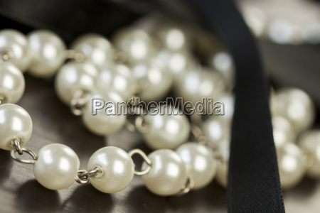 chain necklace bracelet with pearl cultured