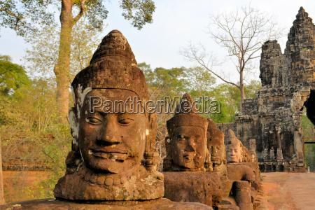 north gate of angkor thom ancient