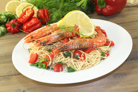prawns with mie noodles with vegetables