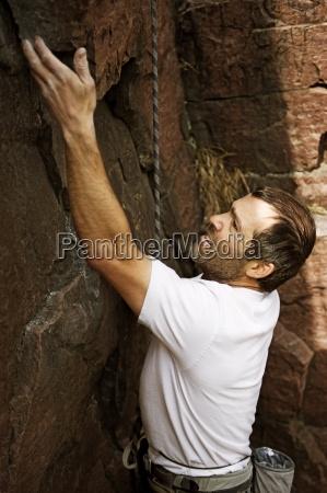 en mand sport klatrer pa palisades