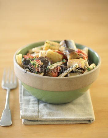 pasta with tomatoes and eggplant