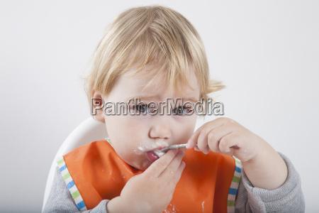 eating spoon looking