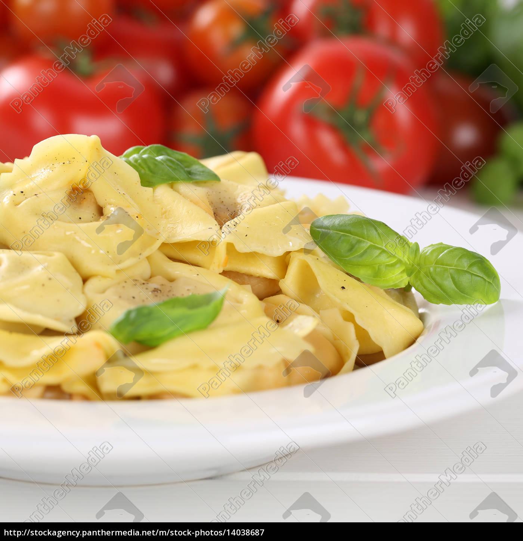 italian, food, pasta, tortellini, with, tomato - 14038687
