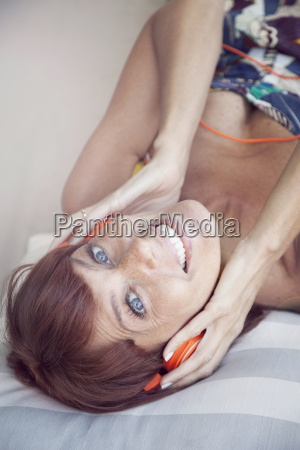 happy, adult, woman, listening, music, with - 14039285