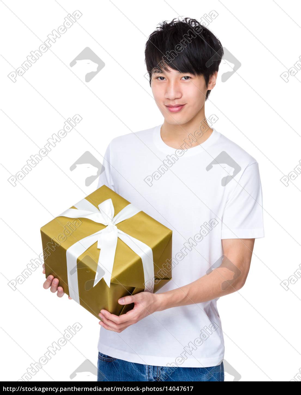 man, holding, xmas, present - 14047617