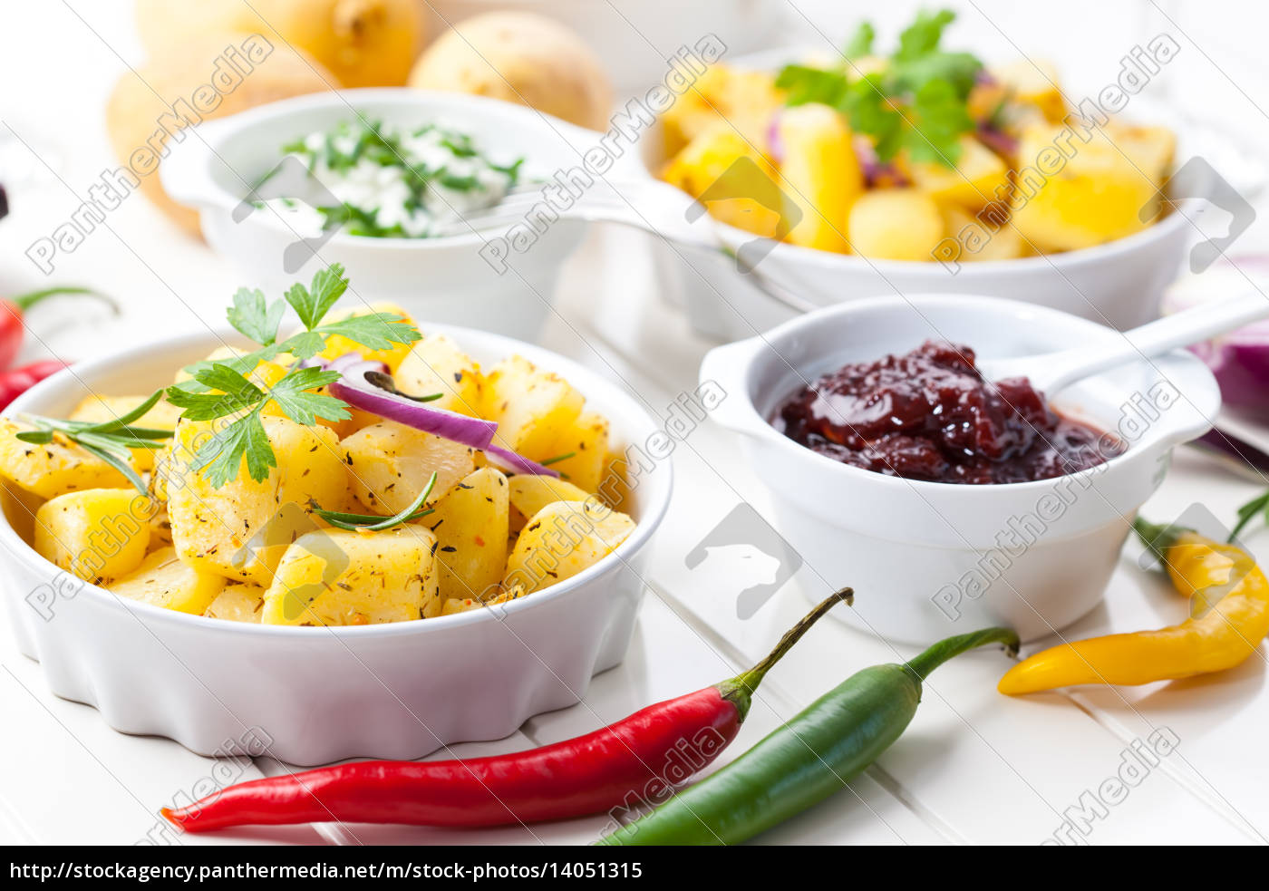 baked, potatoes, with, chutney, and, sour - 14051315