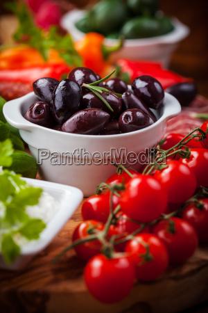 raw, snack, with, antipasti - 14051403