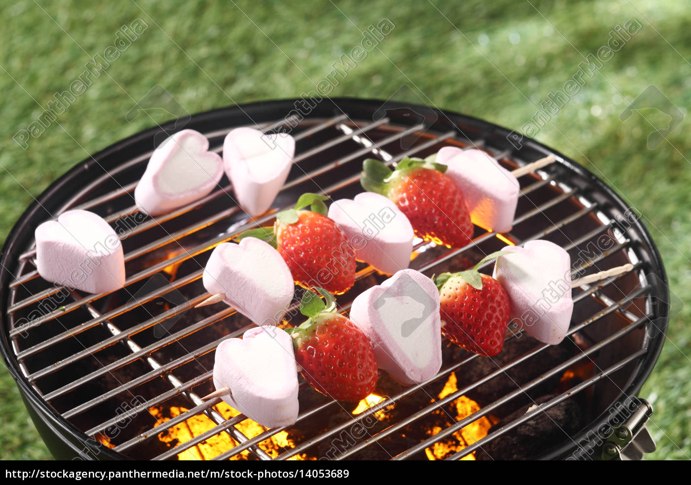 fun, dessert, of, ripe, strawberries, and - 14053689