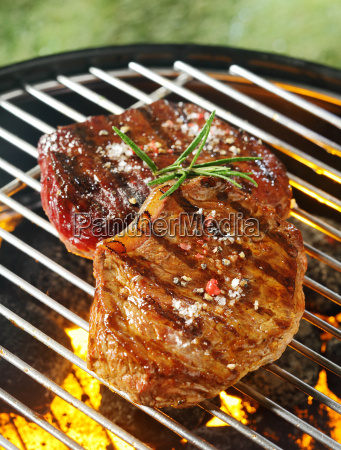 tender, beef, steaks, grilling, over, the - 14053699