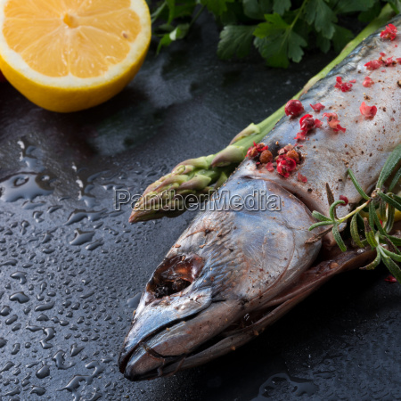 mackerel, with, green, asparagus - 14055515