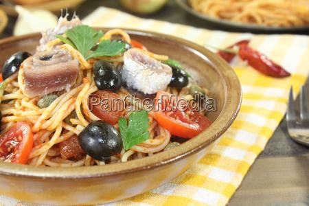spaghetti alla puttanesca with olives and