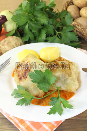 braised, cabbage, roulade, with, potatoes, and - 14057813