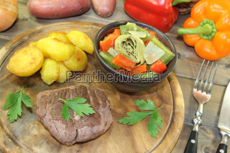 ostrich, steaks, with, oven, potatoes, and - 14057713