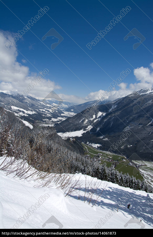 pinzgau, austria - 14061873