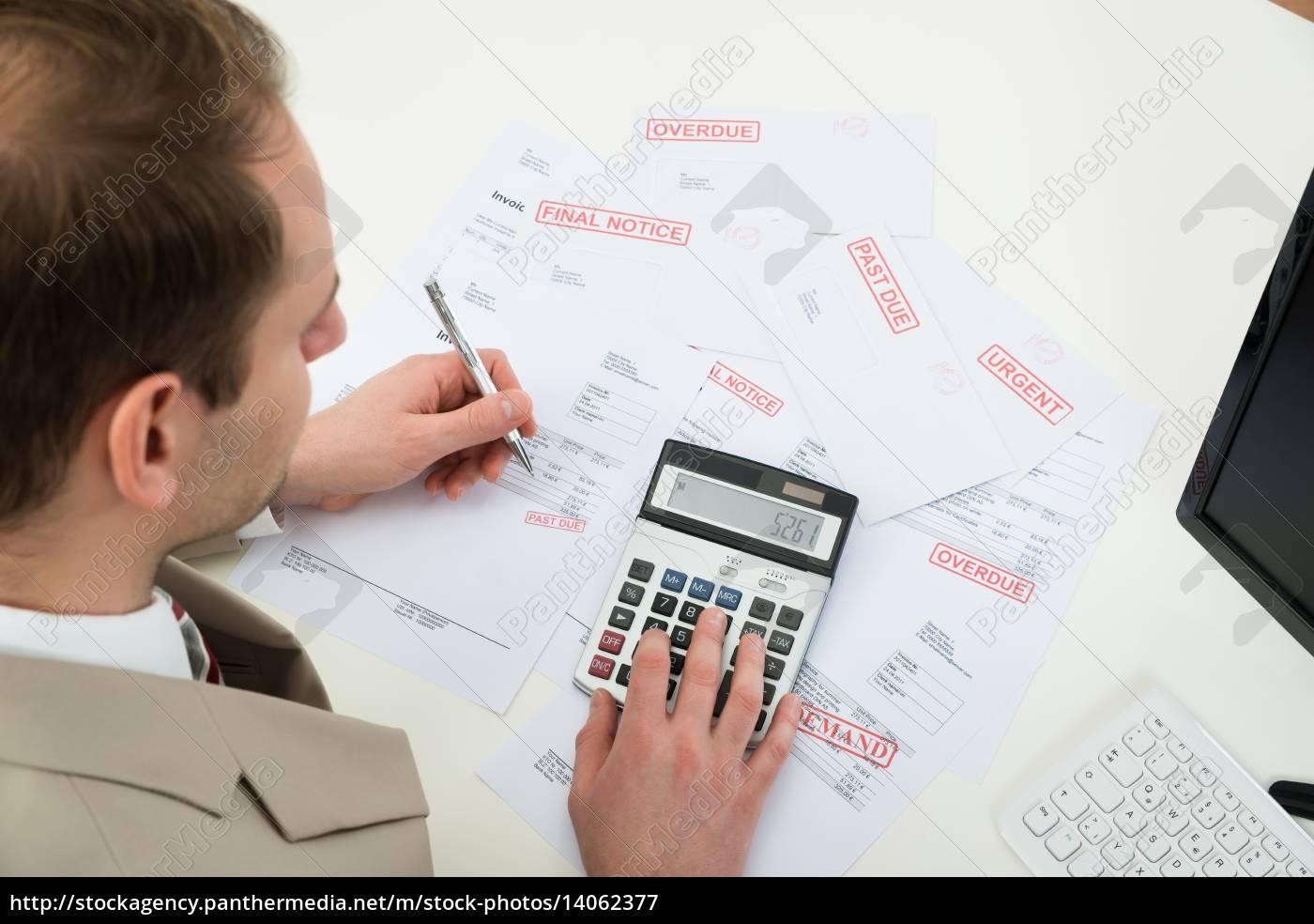 businessman, calculating, financial, bills - 14062377