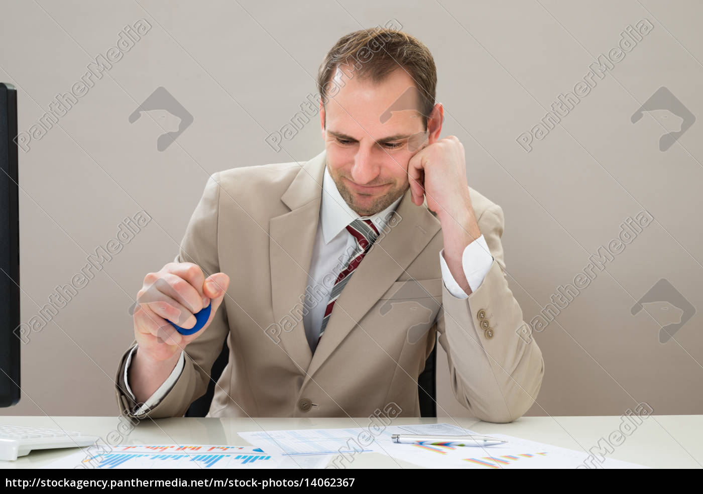 businessman, squeezing, blue, stressball - 14062367