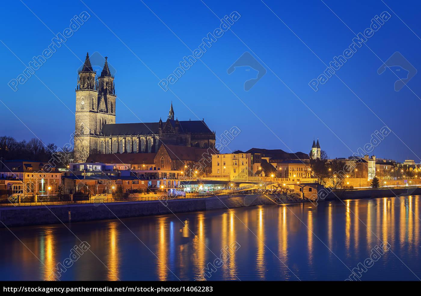 night, scene, magdeburg - 14062283