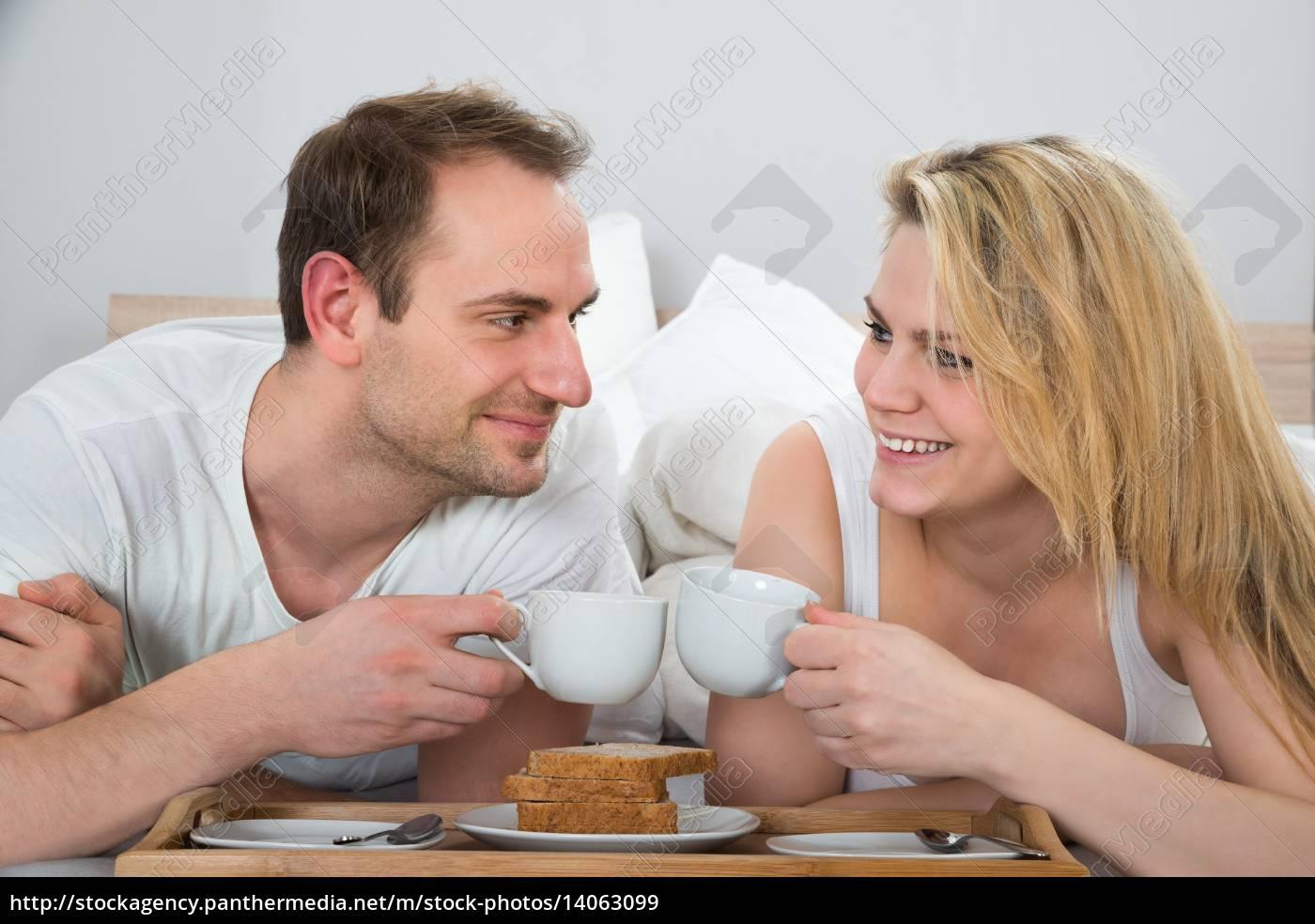 couple, having, breakfast - 14063099