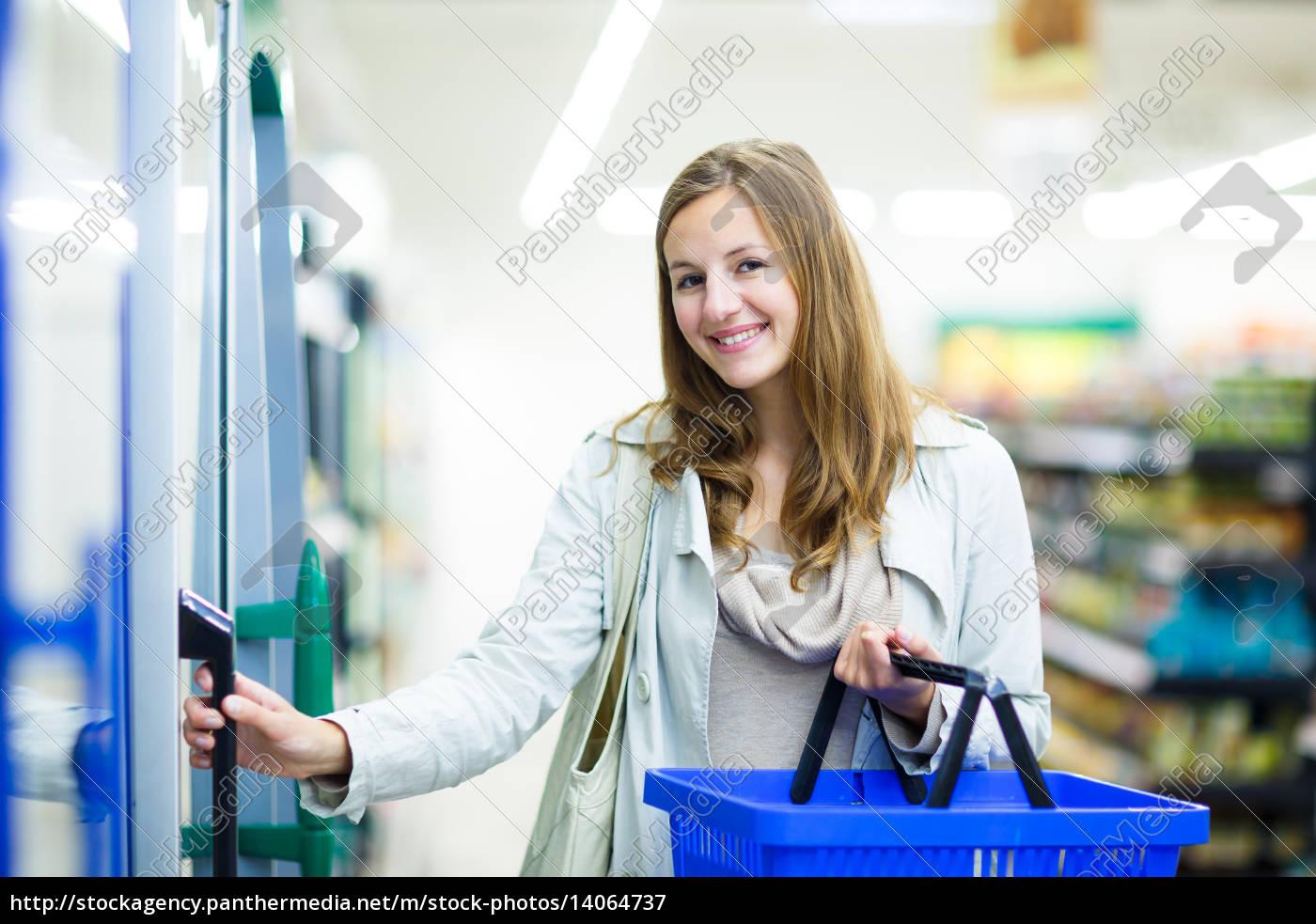 beautiful, young, woman, shopping, for, fruits - 14064737