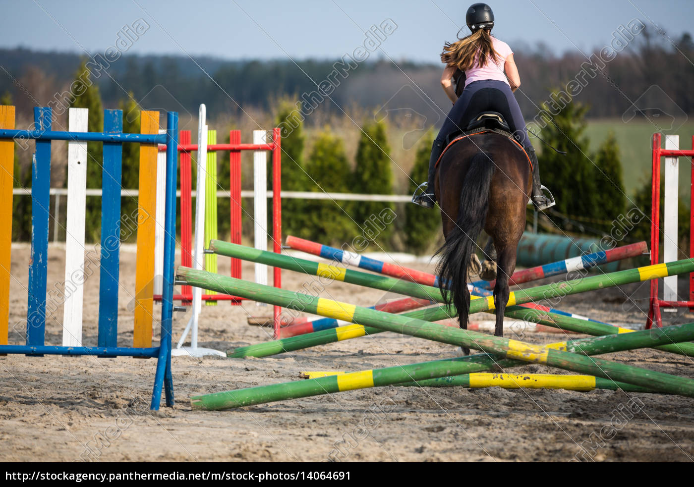 young, woman, show, jumping, with, horse - 14064691