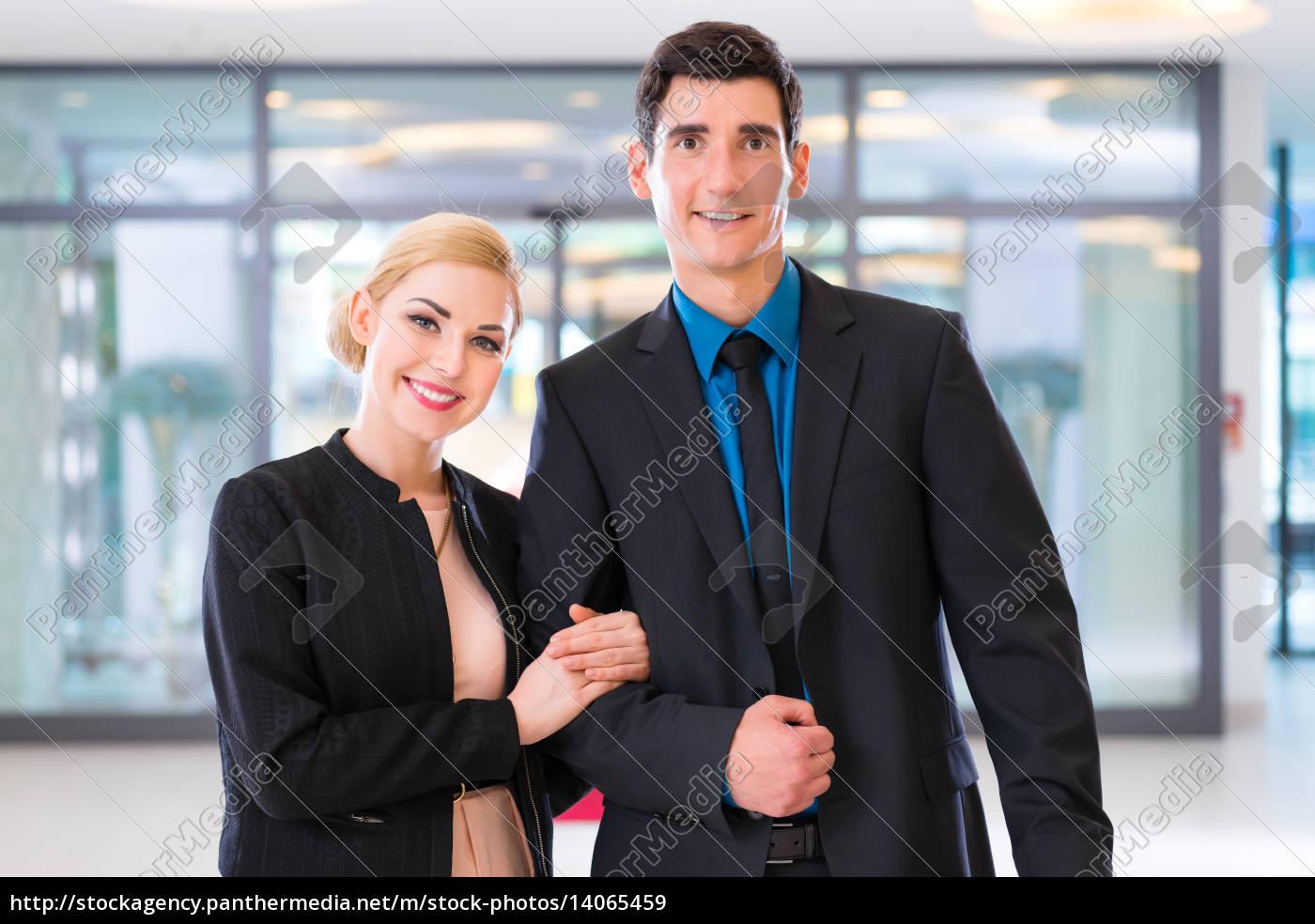paar, bei, anreise, in, hotellobby, mit - 14065459