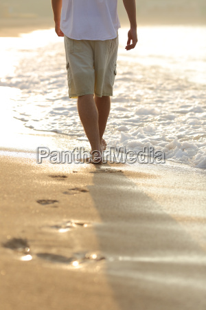 back, view, of, a, man, legs - 14066335