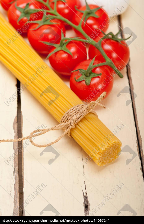 italian, basic, pasta, ingredients - 14067241