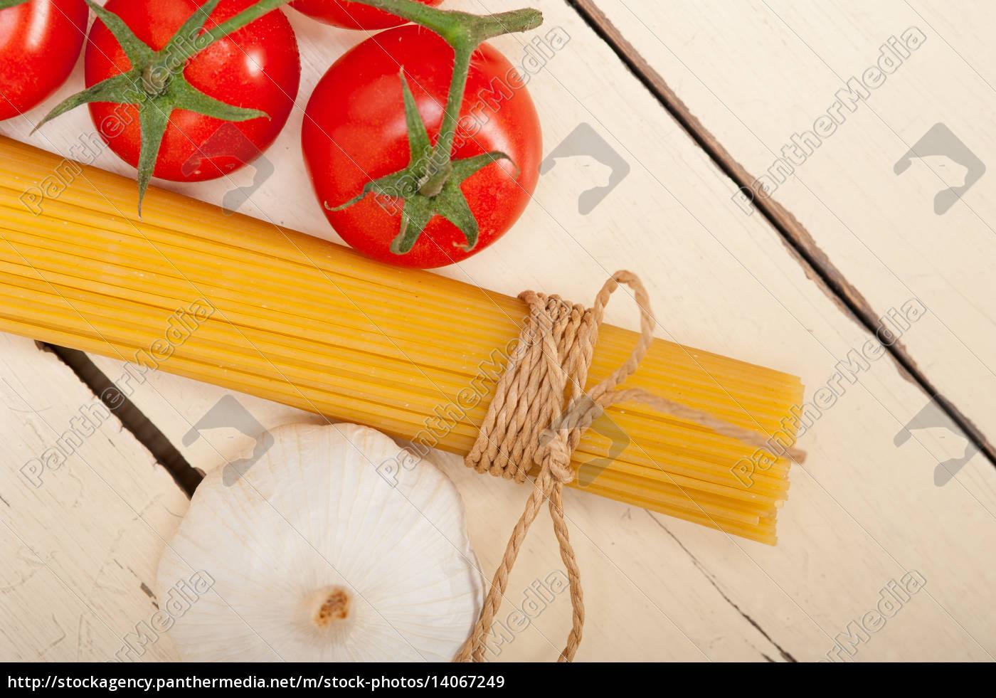 italian, basic, pasta, ingredients - 14067249