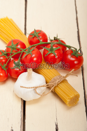 italian, basic, pasta, ingredients - 14067255