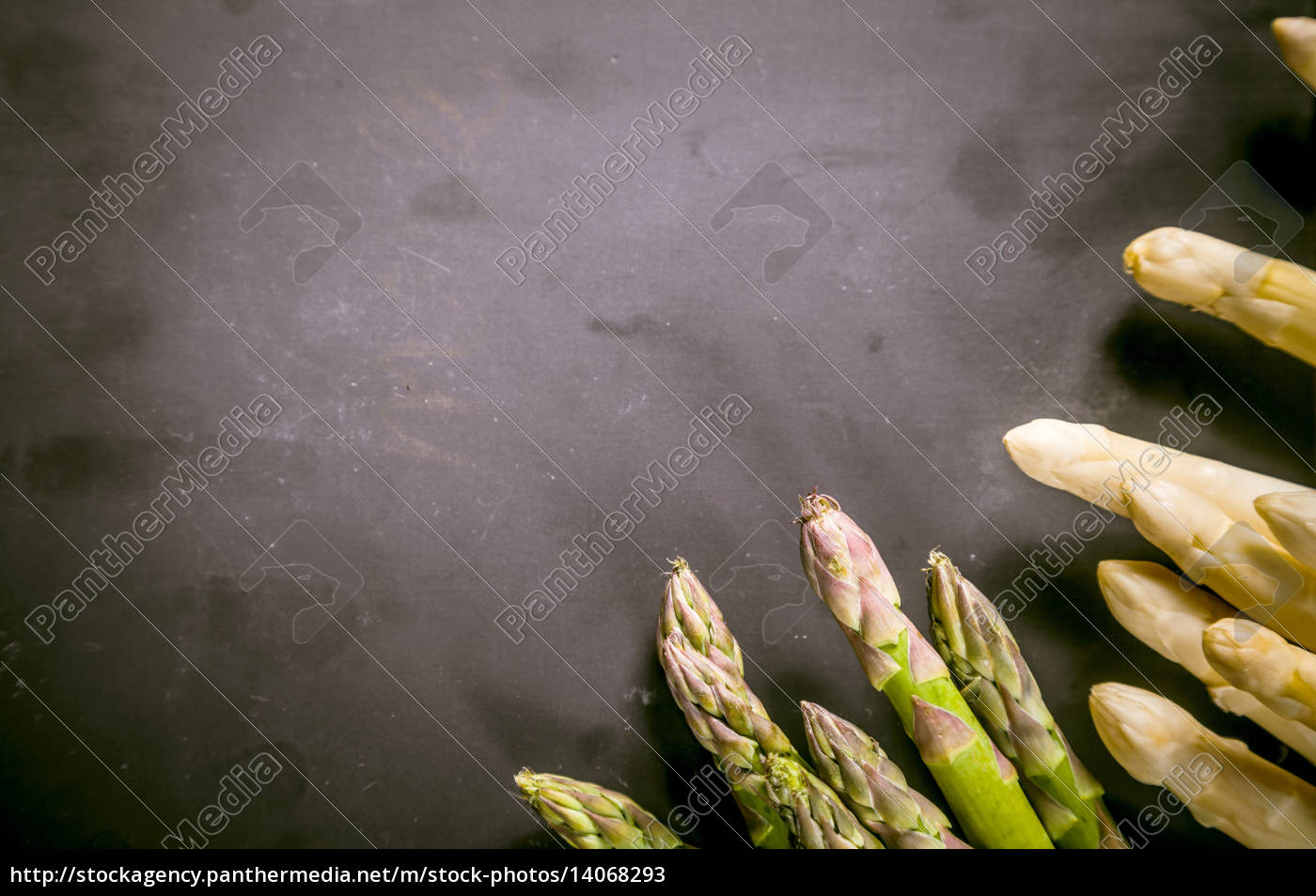 asparagus, on, black, chalkboard, with, copy - 14068293