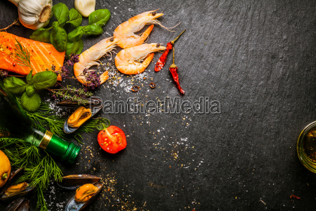 preparing, fresh, seafood, in, the, kitchen - 14068009