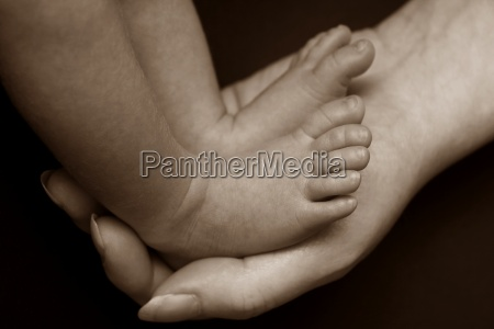 hand, baby, foot, mother, mom, ma - 14070377