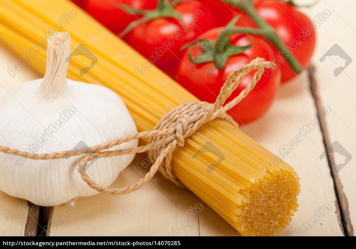 italian, basic, pasta, ingredients - 14070285
