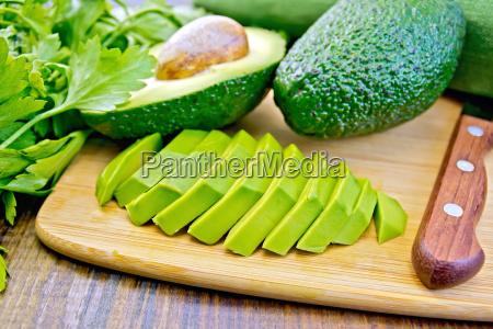 avocado, slices, on, board - 14074893
