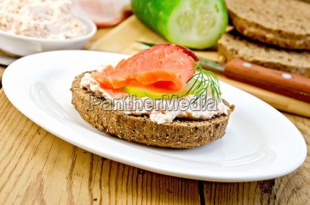 sandwich, with, cream, and, salmon, in - 14075043