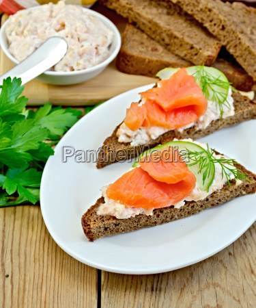 sandwich, with, cream, and, salmon, in - 14075045