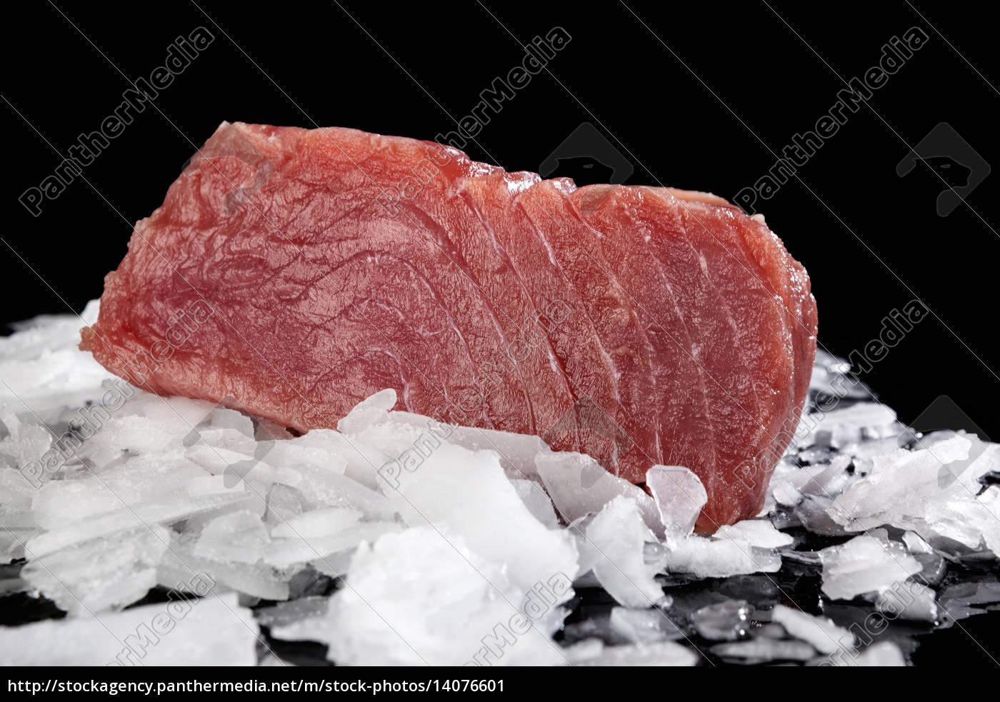 big, tuna, steak, on, ice. - 14076601