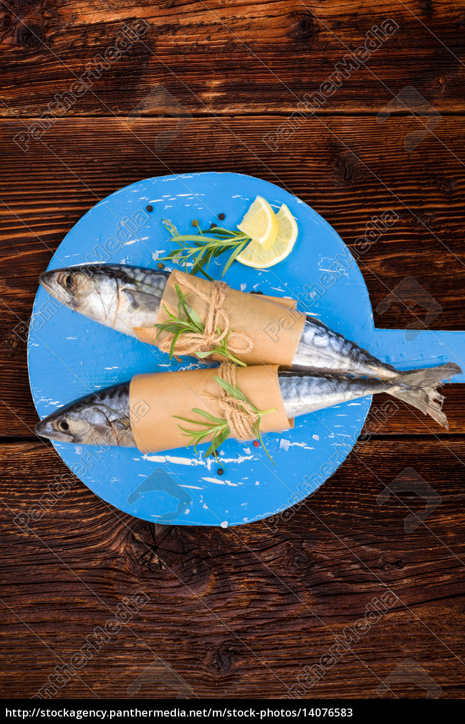 delicious, fresh, mackerel, fish, on, wooden - 14076583