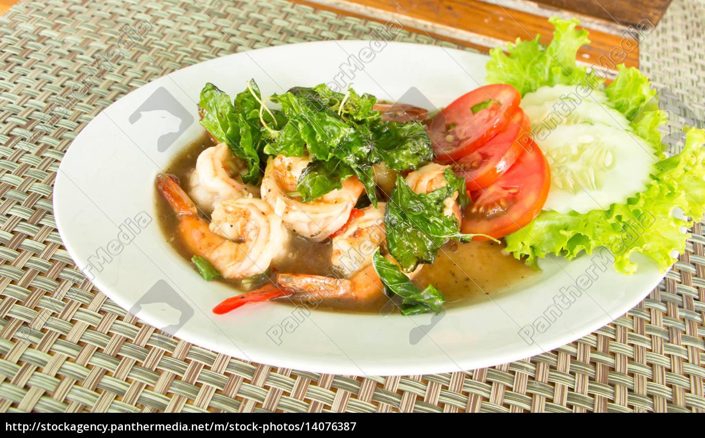spicy, fried, shrimp, with, basil, , thai - 14076387