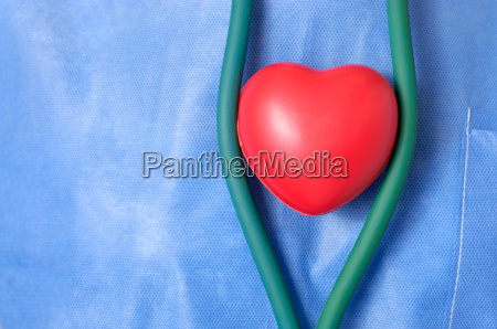 doctor, with, red, heart, shape - 14077475