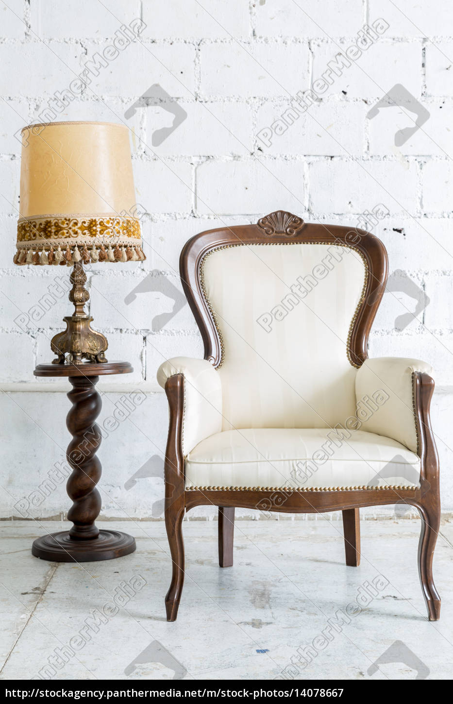 white, retro, chair, with, lamp - 14078667