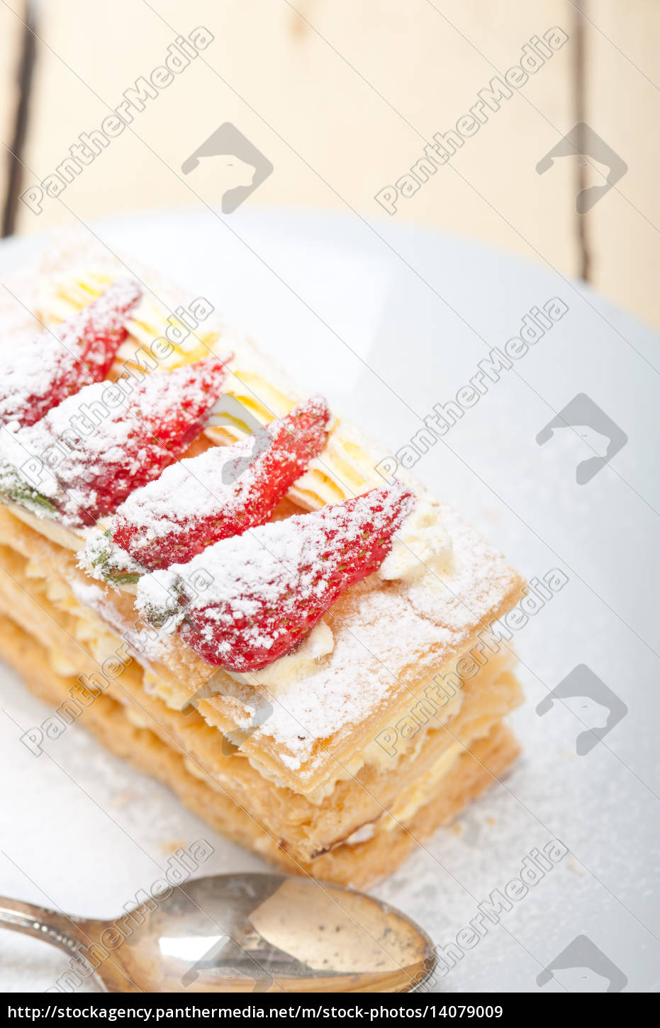 napoleon, strawberry, cake, dessert - 14079009
