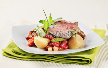 roast, beef, with, red, beans, and - 14079265